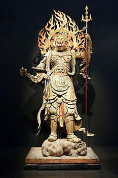 Standing_Komoku_Ten_(Virupakusa),_Heian_period,_12th_century,_wood_with_polychromy_and_cut_gold_leaf_-_Tokyo_National_Museum_-_DSC05100.JPG